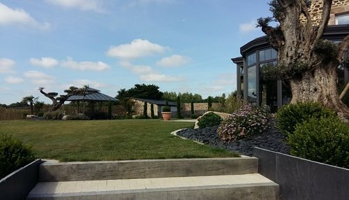 Aménagement d''une cour et du jardin - Côtes d''armor (22)