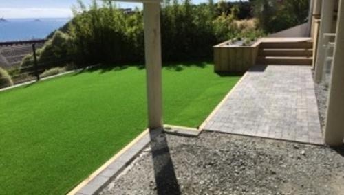 Création d''un jardin et aménagement d''un espace détente en balcon - (22)