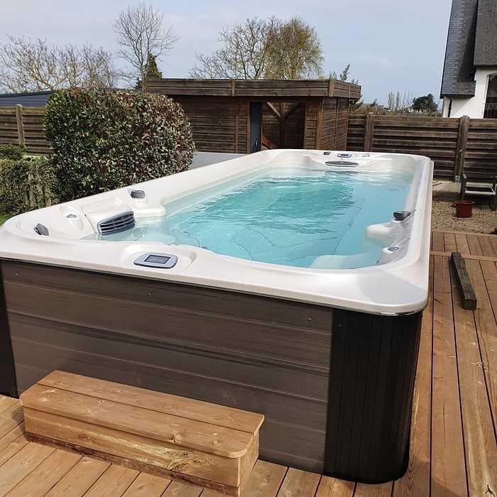 Installation d''un spa de nage - JACUZZI 0