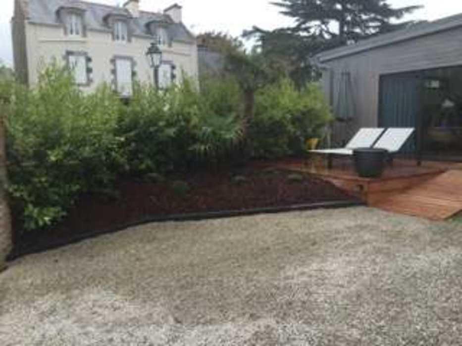 Installation d''une clôture et d''un espace végétalisé - (22) img1074