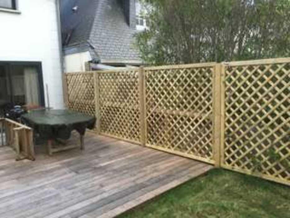 Installation d''une clôture et d''un espace végétalisé - (22) img1305