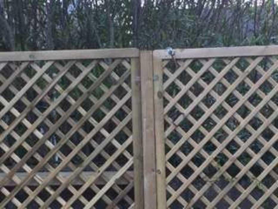 Installation d''une clôture et d''un espace végétalisé - (22) img1306